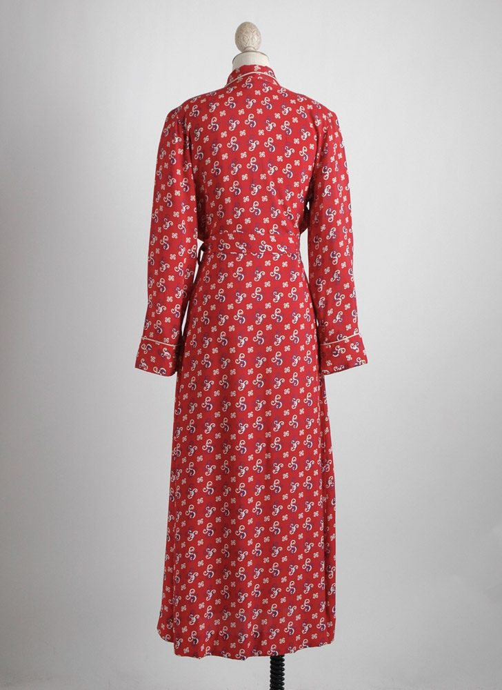 1940s red rayon novelty print robe