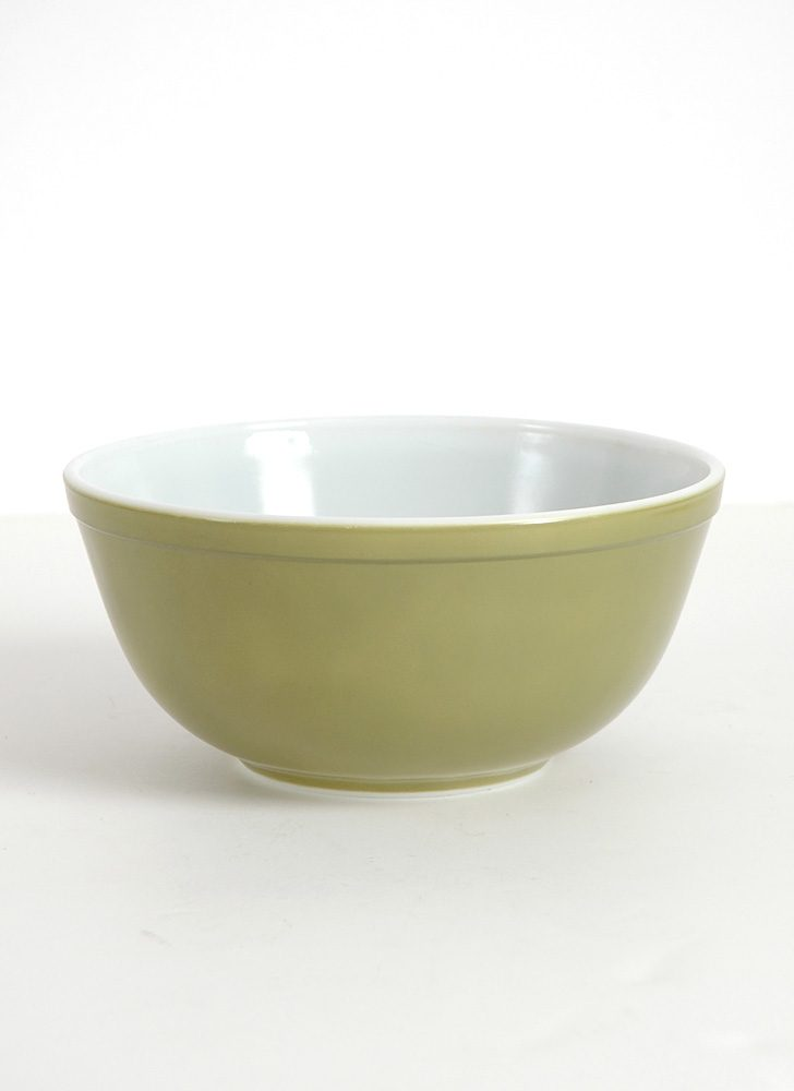 1960s 70s avocado olive green Pyrex bowl 403
