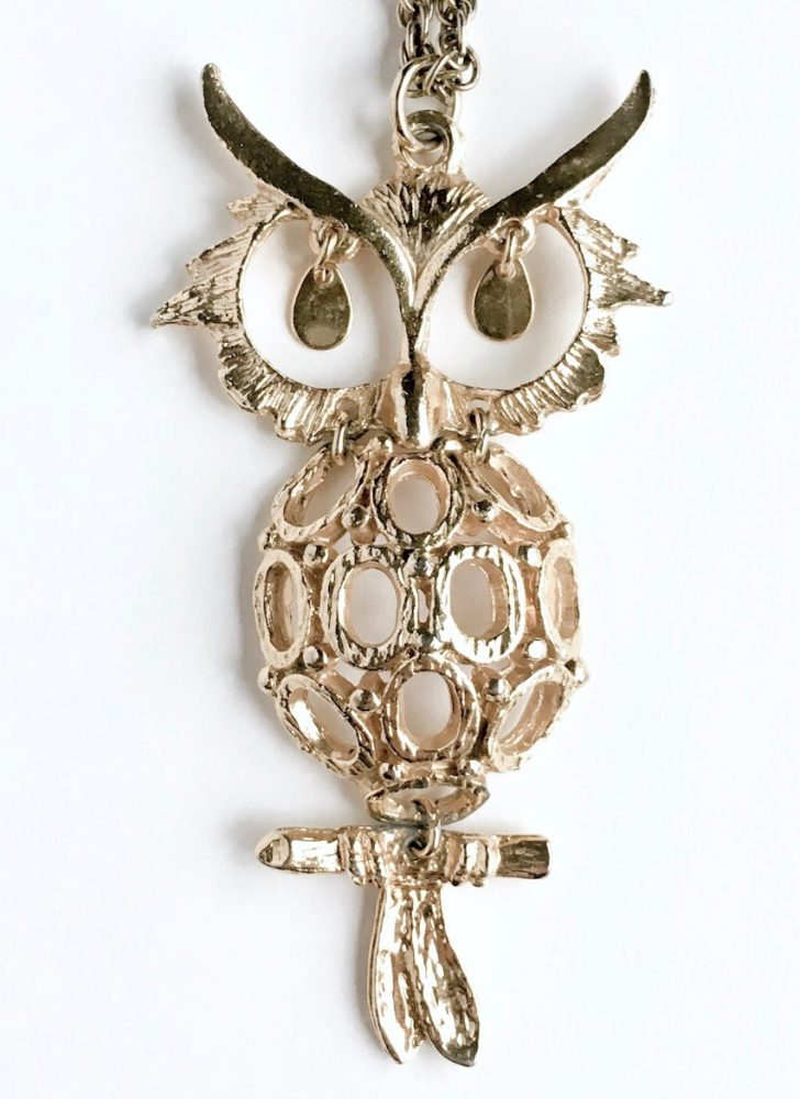 1960 70s gold owl necklace
