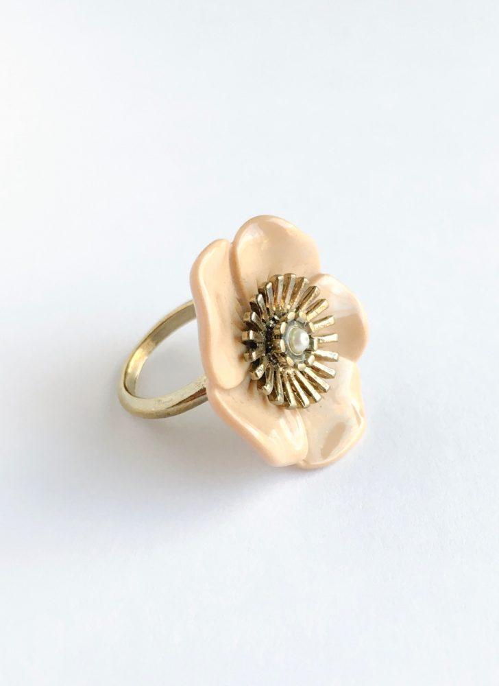 1960s flower ring