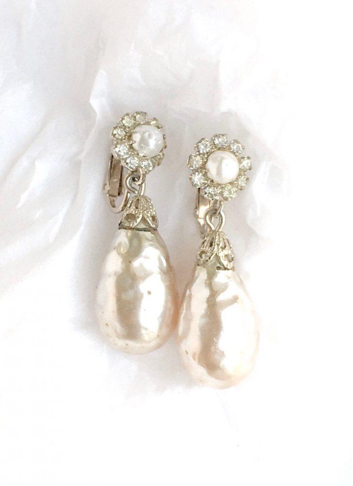 vintage Baroque pearl earrings